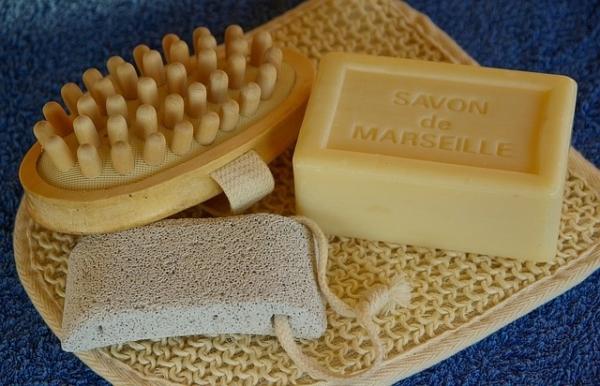 le savon d 39 alep et de marseille sont meilleurs que le gel. Black Bedroom Furniture Sets. Home Design Ideas