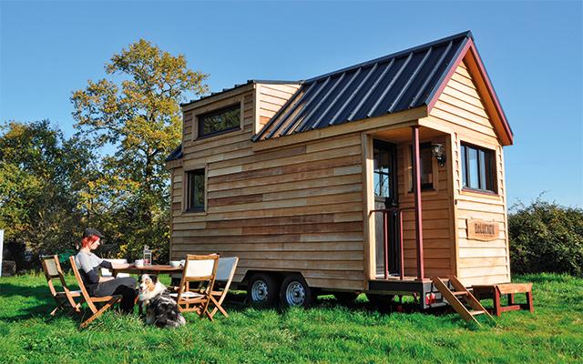 tiny house la maison sur roues cologique. Black Bedroom Furniture Sets. Home Design Ideas