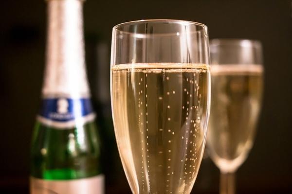 Célèbre Champagne pas Cher de Qualité : où Trouver votre Bouteille en 2017 ? LB49
