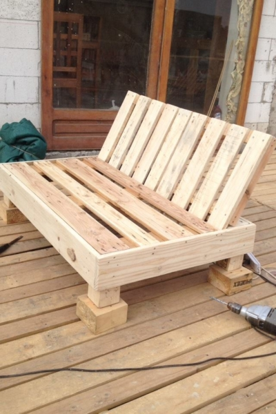 Mobilier fabriqu avec des palettes en bois meubles - Construction banc en palette ...